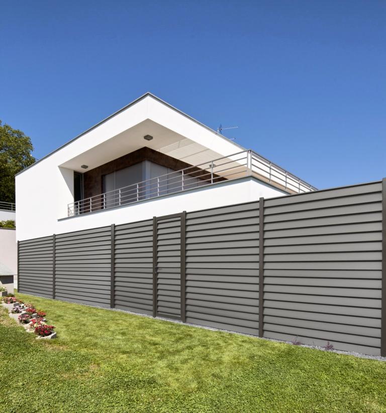 cloture aluminium gamme aluclin vendu dans le 13 installateur fen tres grosfillex marignane. Black Bedroom Furniture Sets. Home Design Ideas