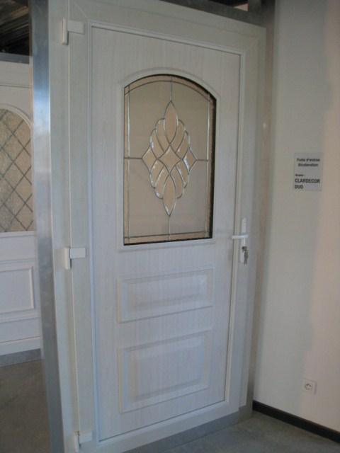 porte d 39 entree pvc blanc sur mesure marignane vente pose et r novation de portes d 39 entr e. Black Bedroom Furniture Sets. Home Design Ideas
