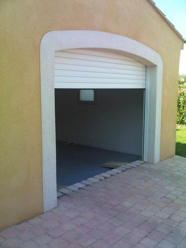 les portes de garage a refoulement plafond lakal marignane vente pose et r novation de. Black Bedroom Furniture Sets. Home Design Ideas