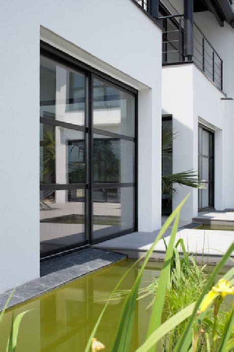 baie coulissante moderne aluminium avec traverse. Black Bedroom Furniture Sets. Home Design Ideas